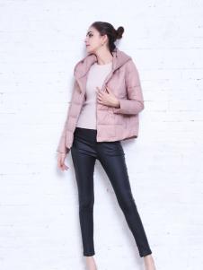 艾诺绮粉色短款羽绒服