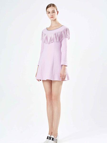 保时霓紫色时尚连衣裙