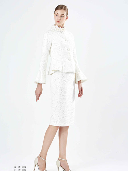 保时霓白色时尚连衣裙套装