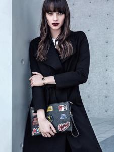 依目了然女装黑色收腰风衣外套