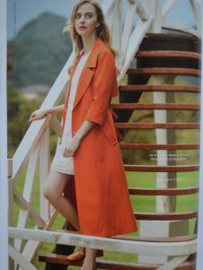 金蝶茜妮橙色长款外套