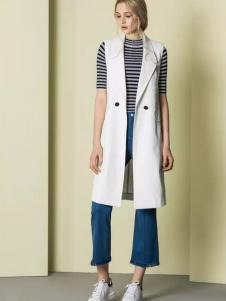 JUST&TH女装2017春装新品条纹紧身上衣