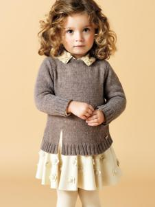 芭乐兔女童冬新款毛衫两件套
