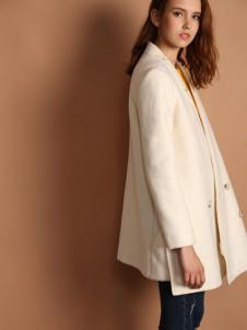 天使舞台女款米色外套
