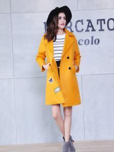 艾诺绮黄色长款贴花大衣