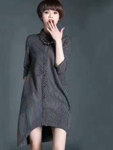 色弋瑞高级灰色连衣裙