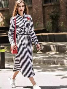 尹红女装秋冬款条纹衬衫连衣裙