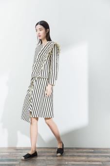 2017一席之地春夏新品斜条纹套装