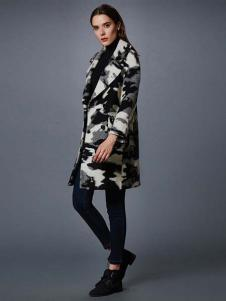 艾诺丝·雅诗女装秋冬新品图案印花大衣