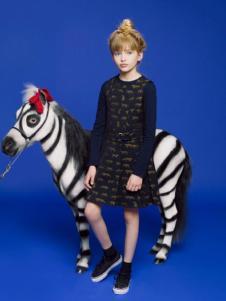 IKKI(安娜与艾伦)童装新品连衣裙