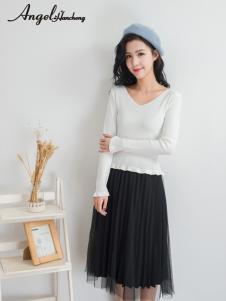 天使韩城白色V领针织T恤
