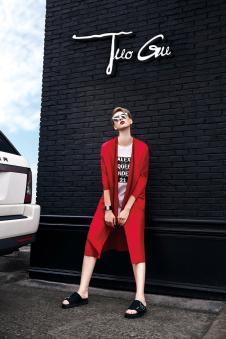 2017年拓谷春夏新品红色长款外套
