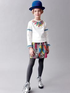 IKKI(安娜与艾伦)童装新品彩绘印花T恤