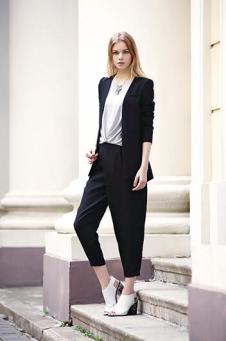 伊果女装新品黑色简约职业套装