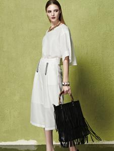 夺宝奇兵女装新款白色连衣裙