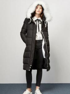 Lily女装秋冬新品及膝羽绒服