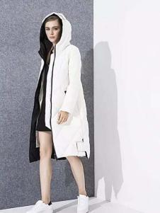 爱博·琼斯女装白色连帽长款羽绒服