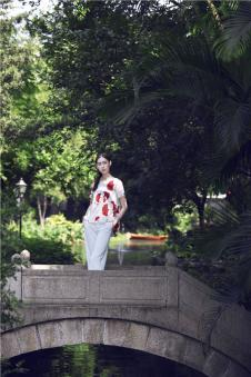 EDISA伊缔莎2017年春夏新品极净初生系列银杏图案上衣