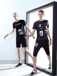 新升流派黑色格纹图案T恤