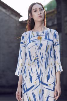 EDISA伊缔莎2017年春夏新品始悟形色系列几何连衣裙