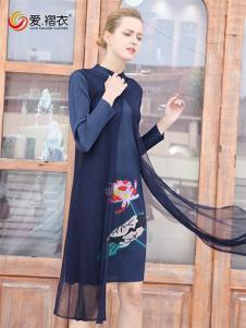 爱褶衣新款褶皱印花网纱中式连衣裙