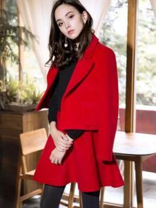 葆斯奴女装红色套装