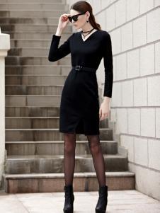 例格女士黑色连衣裙