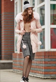 香影女装粉色毛领羽绒服