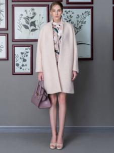 DE CLASSIE女装米色宽肩大衣