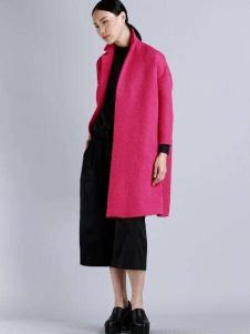 AVRALA奥柔拉女装枚红色呢大衣