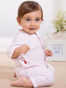 卓儿婴童装粉色连体衣