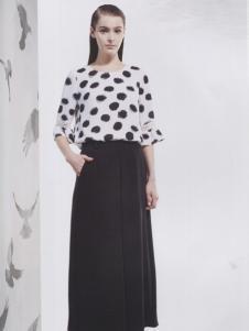 阿莱贝琳白色波点T恤