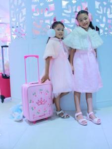 粉美儿粉色箱子