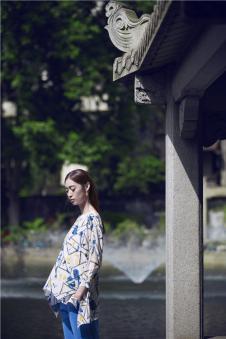 EDISA伊缔莎2017年春夏新品始悟形色系列不规则几何上衣 款号272993