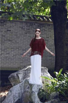 EDISA伊缔莎2017年春夏新品极净初生系列玫瑰花丝质上衣