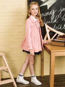贝贝依依童装粉色风衣外套