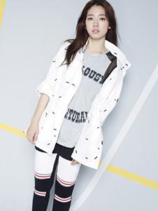 VIKI女装白色休闲外套