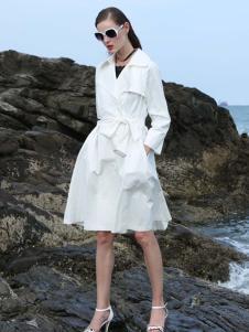 2017例格白色外套