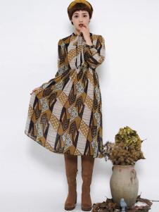 Pit女装新品时尚撞色收腰连衣裙