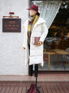 速品白色时尚羽绒服新款