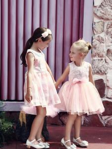 叮当猫童装新款粉色连衣裙
