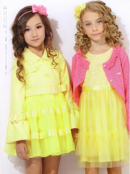 的纯女童黄色蕾丝蓬蓬裙