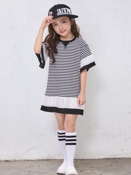 玛玛米雅H版条纹连衣裙