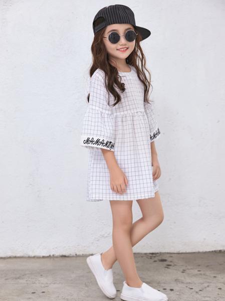 玛玛米雅2017年春夏A字宽松连衣裙