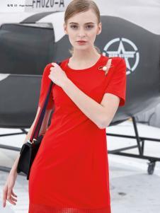 雷索思红色H版圆领连衣裙