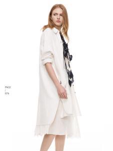 主提白色时尚春季外套