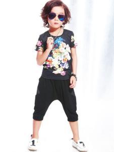 布衣班纳童装男童黑色印花T恤
