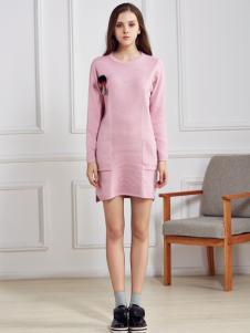 都市衣柜粉色针织连衣裙