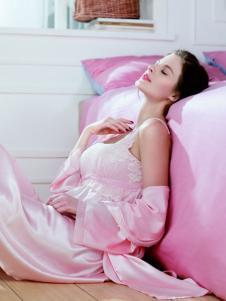 婵之云粉色丝质睡衣