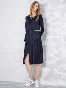 淿素女装BELLO SZ淿素女装条纹开衩连衣裙